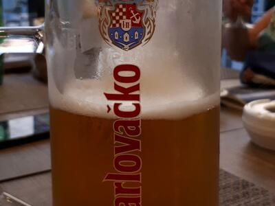Karlovačko pivo točeno