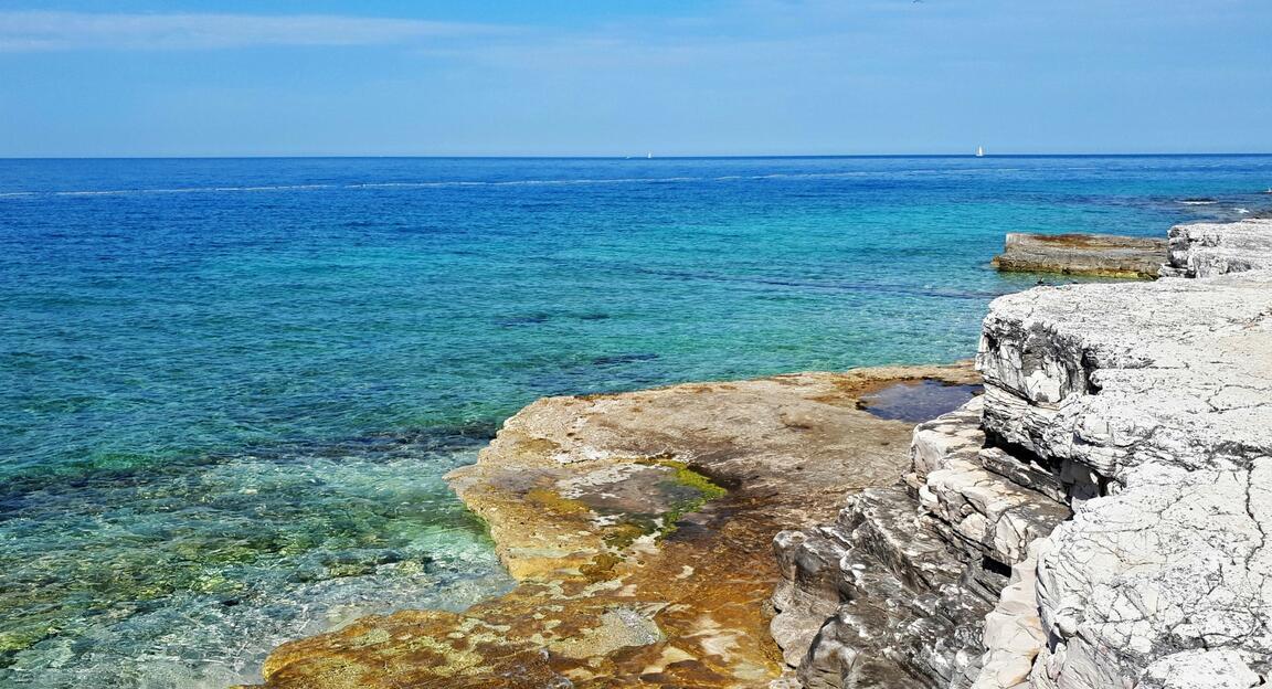 Chorvatsko-Istrie-Lanterna-Pláž